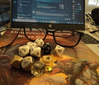 Luolia ja lohikäärmeitä – roolipeli vuorovaikutustaitojen alustana