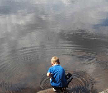Viedäpä ne kaikkein pienimmät ulos – seikkailukasvatus varhaiskasvatuksessa