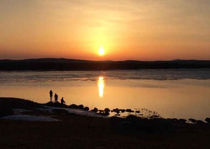 auringonlasku Muddusjärvellä